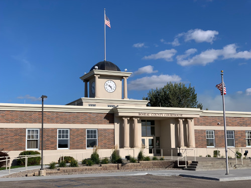 Roseau County Courthouse